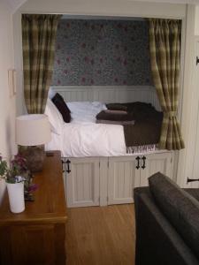Traditional Scottish Box Bed